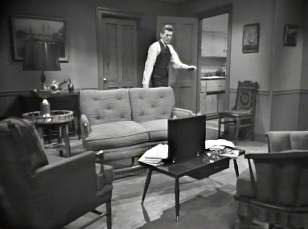 Burke Devlin's hotel room (1)_1966