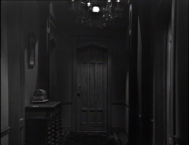 Petofi box_Hallway_closing credits_ep14