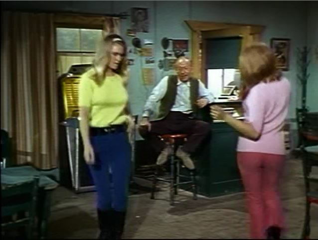 Invaders_Beachhead_S1E1_Ackerman girls dancing to cafe jukebox (1)_Act III_ep64